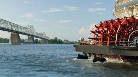Paddle wheel boat on the Mississippi River