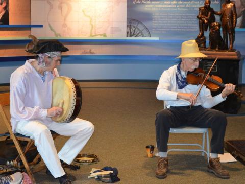 Música tradicional en el Lewis and Clark Music Festival