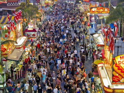 La animada escena de la San Diego County Fair
