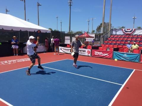 El pickleball competitivo de Naples durante los Minto US Open Pickleball Championships