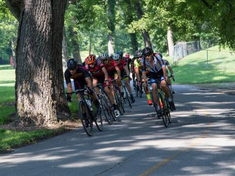 Carreras durante el Rogers Cycling Festival en Arkansas